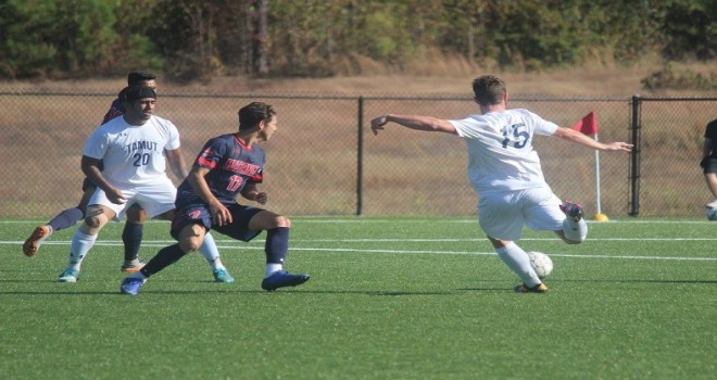 Photo for Men's Soccer Comes Up Short on Senior Day 4-1